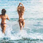 砂浜の遊びで盛り上げたい!大人数でできるビーチの遊び方を伝授